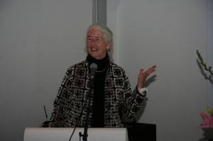 """Julie Schniewind talaði um virkni eldra fólks og sagði  að menn myndu ekki """"rock themselves to death"""""""