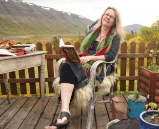 Valgerður í sælureitnum í Fnjóskadal Mynd: Hrefna Harðardóttir