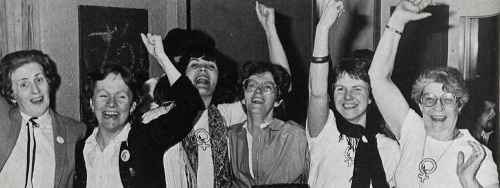 Kvennaframboðskonur fagna sigri á kosninganótt 1982